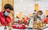 Salgado y Shirov lideran a falta de dos rondas
