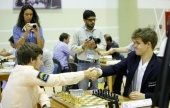 Rapid Day 2: Carlsen surges into lead