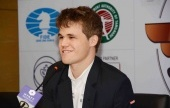 Anand-Carlsen, Game 5: First blood