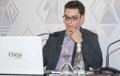 Shamkir, Rd 8: Caruana closes on Carlsen