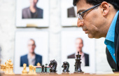 Anand indulta a sus rivales