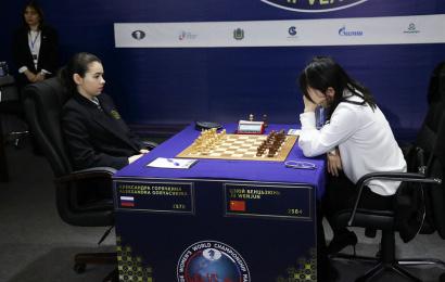 Goryachkina schlägt Ju Wenjun und erzwingt den Tiebreak