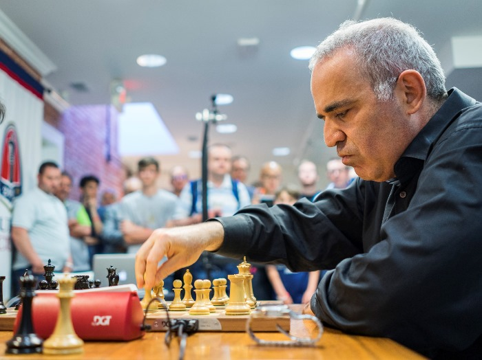 Partidas de la élite mundial de ajedrez actualizadas _dsc2297