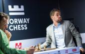 Aronian-Carlsen i 1. runde av Altibox Norway Chess