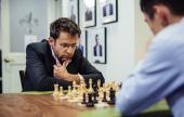 Aronian sigue líder en un mal día de Carlsen