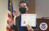苏伟利正式入籍美国 成为美国公民