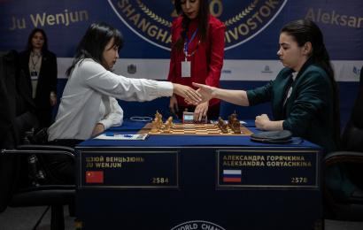 Campeonato del Mundo femenino (9): Y Wenjun devolvió el golpe